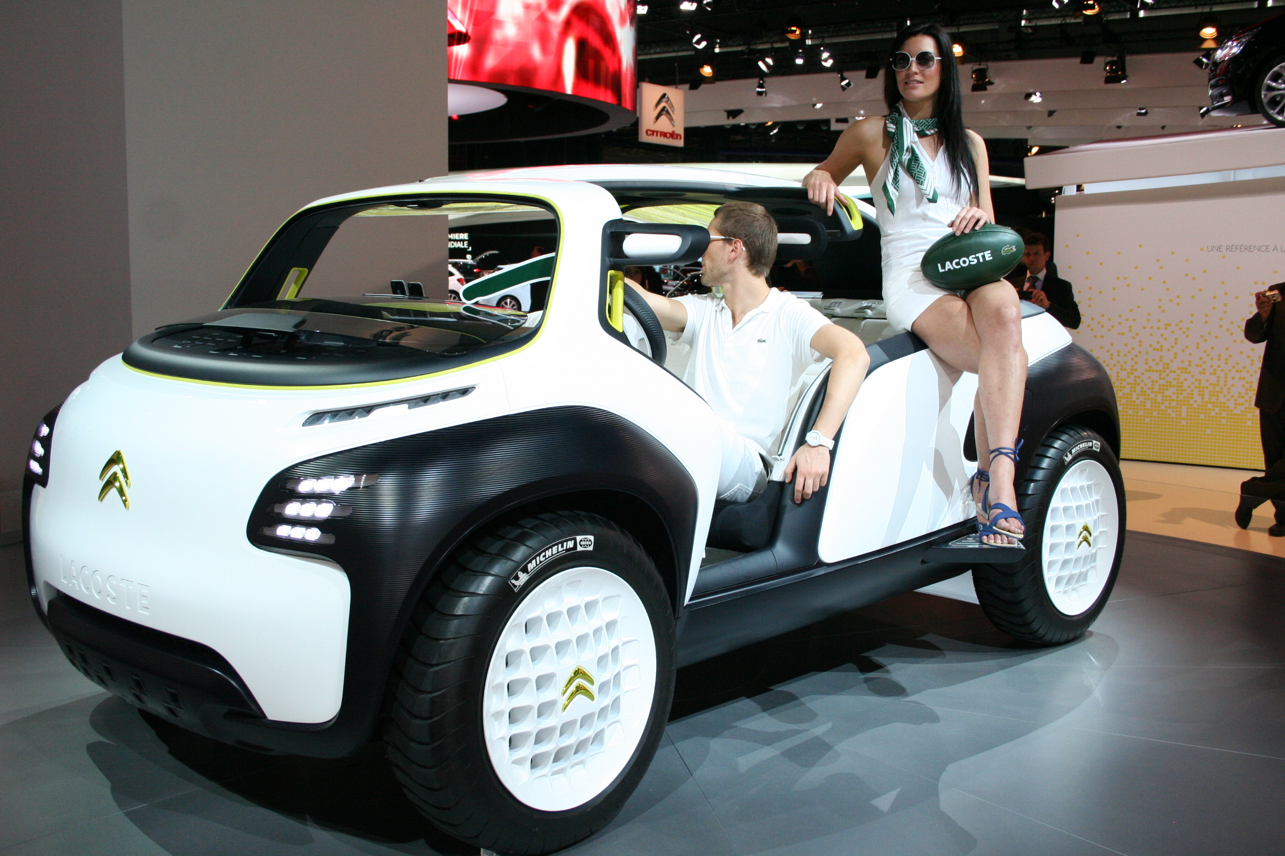 citroen lacoste concept 2010 au salon mondial de l. Black Bedroom Furniture Sets. Home Design Ideas