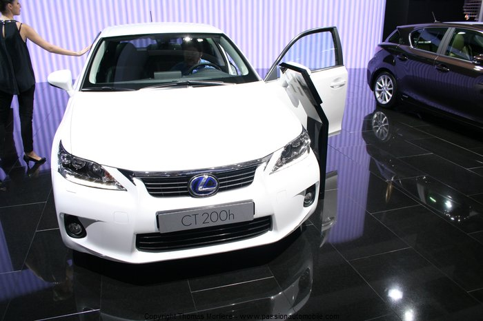 lexus ct 200 h full hybrid 2010 au salon mondial de l 39 automobile 2010. Black Bedroom Furniture Sets. Home Design Ideas