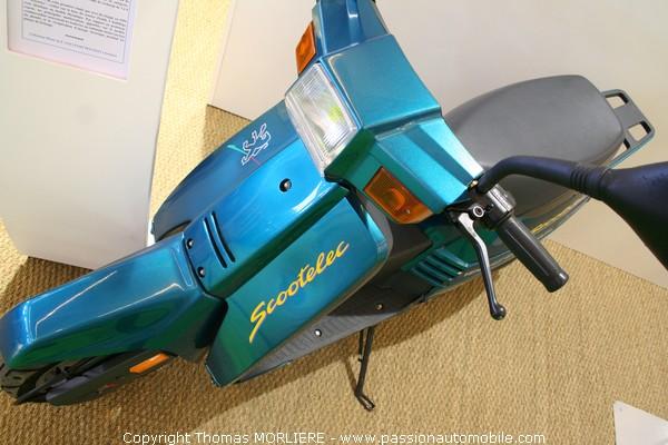 prototype scooter electrique peugeot 1985 retromobile 2009. Black Bedroom Furniture Sets. Home Design Ideas