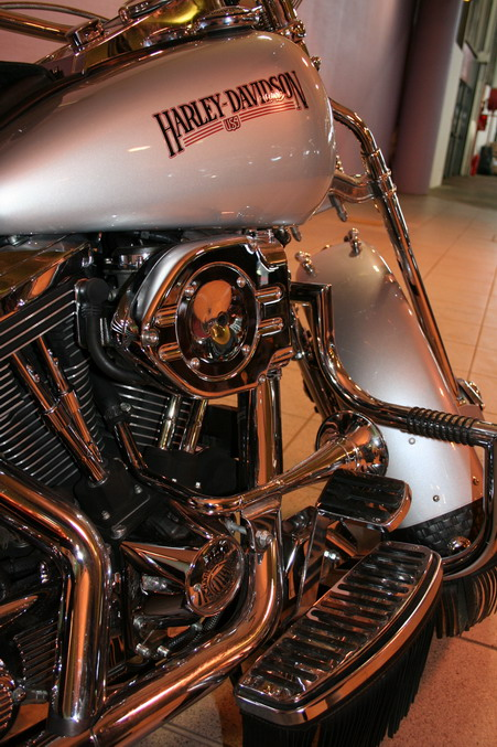 moto harley davidson salon 2 roues lyon 2007. Black Bedroom Furniture Sets. Home Design Ideas