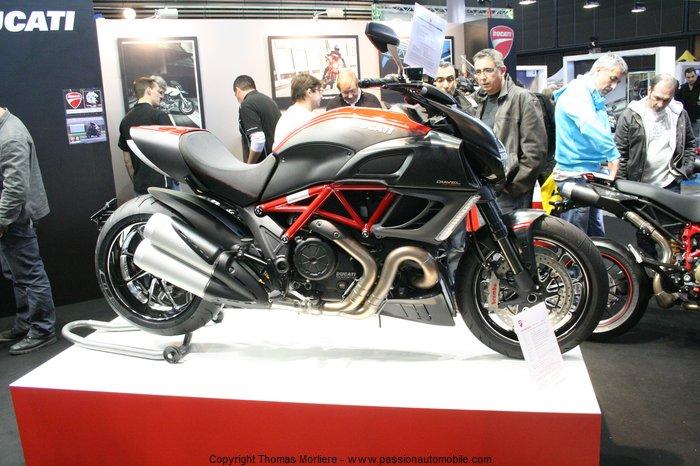 ducati moto 2011 salon moto de lyon 2011. Black Bedroom Furniture Sets. Home Design Ideas