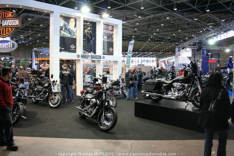 harley davidson au salon moto de lyon 2010. Black Bedroom Furniture Sets. Home Design Ideas