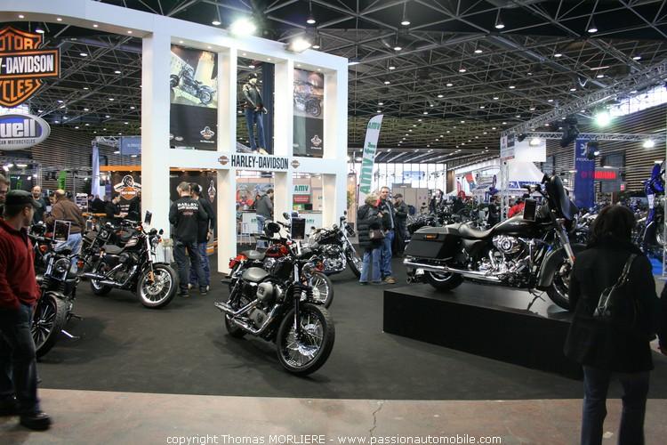 Harley davidson au salon moto de lyon 2010 for Salon retromobile lyon