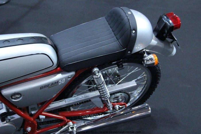 honda 50 dream 2014 salon moto de lyon 2014. Black Bedroom Furniture Sets. Home Design Ideas
