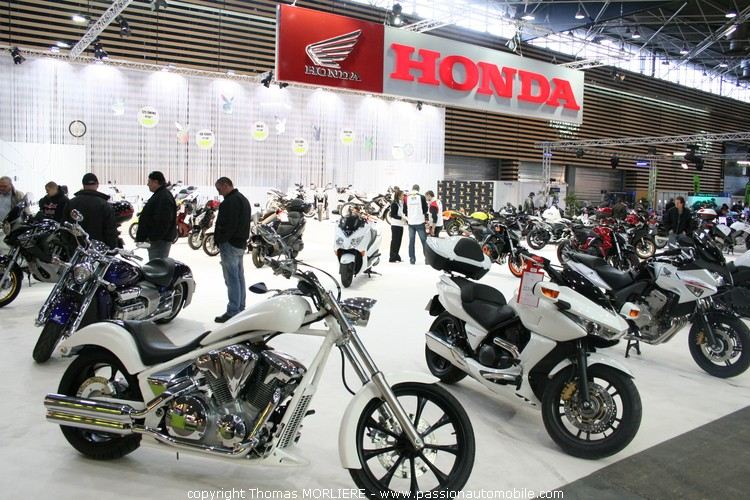 Honda au salon moto de lyon 2010 for Salon retromobile lyon