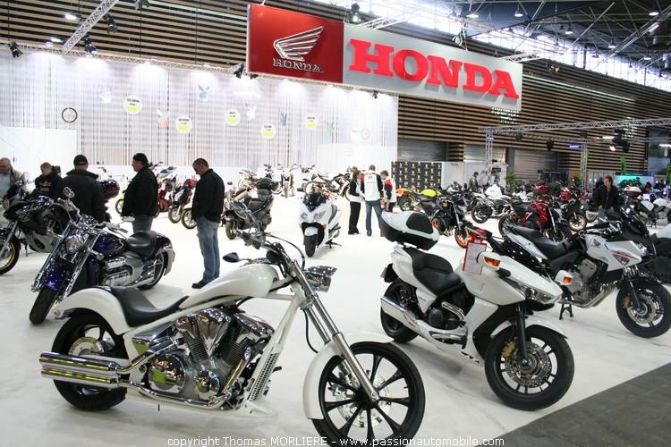 Honda au salon moto de lyon 2010 for Prix stand salon