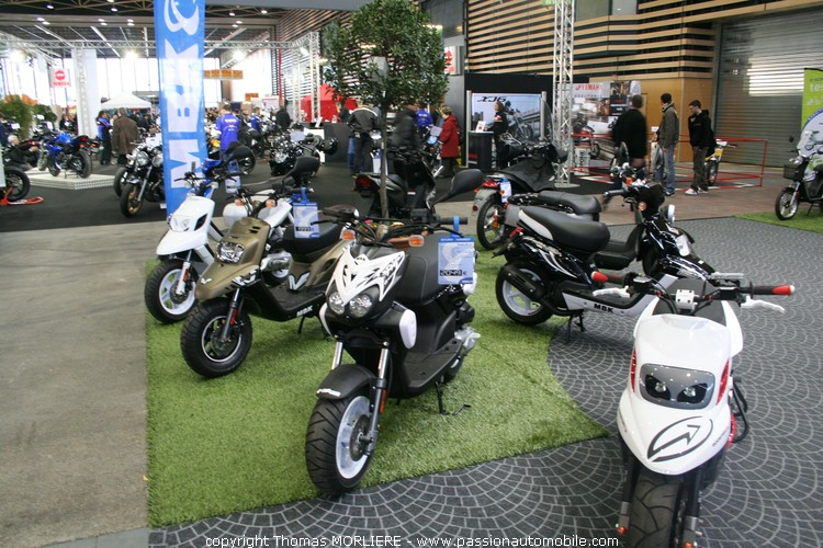 Moto mbk mbk au salon de la moto de lyon 2010 - Salon de la photo lyon ...