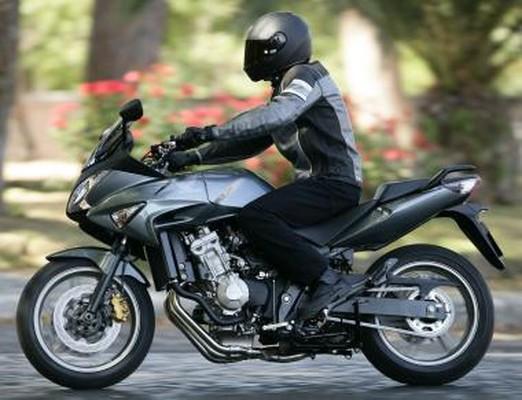 honda cbf 600 s abs salon moto de lyon 2008 nouveaut stand honda. Black Bedroom Furniture Sets. Home Design Ideas