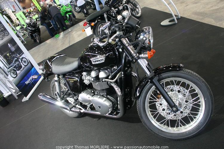 trimph thruxton injection 2010 au salon de la moto de lyon 2010. Black Bedroom Furniture Sets. Home Design Ideas