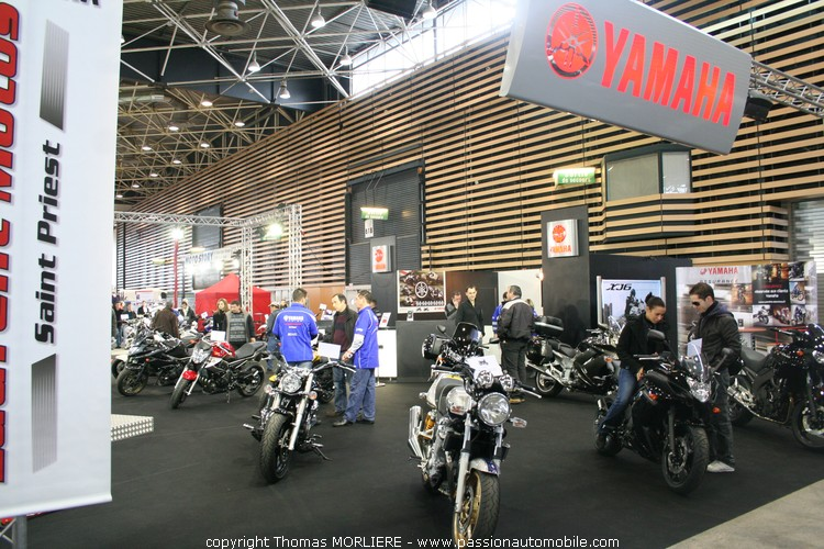 yamaha au salon moto de lyon 2010. Black Bedroom Furniture Sets. Home Design Ideas