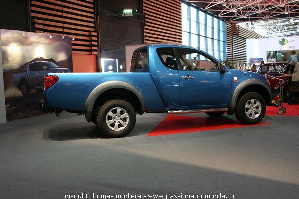 Mitsubishi l 200 les 4x4 au salon auto de lyon 2007 for Salon de l auto a lyon