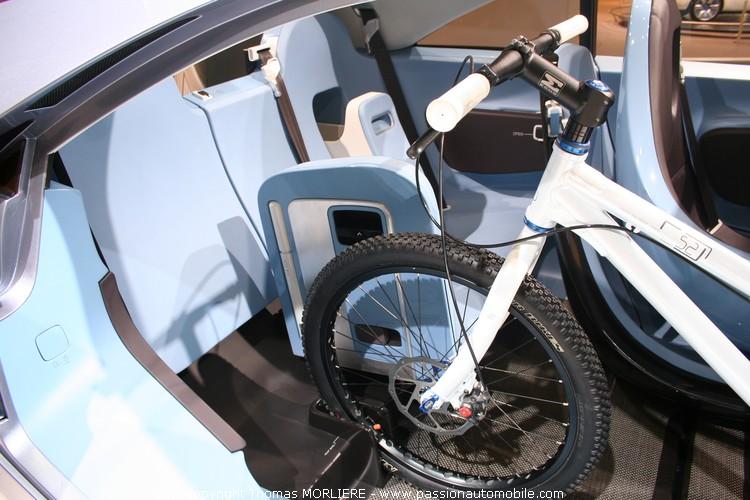 Dacia duster concept car 2009 salon de l 39 automobile lyon for Salon de l auto a lyon