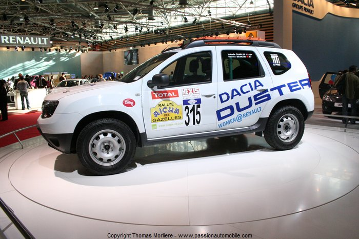 dacia duster rallye des gazelles 2011 salon de l 39 auto de. Black Bedroom Furniture Sets. Home Design Ideas