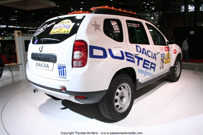 dacia duster rallye des gazelles 2011 salon de lyon 2011. Black Bedroom Furniture Sets. Home Design Ideas