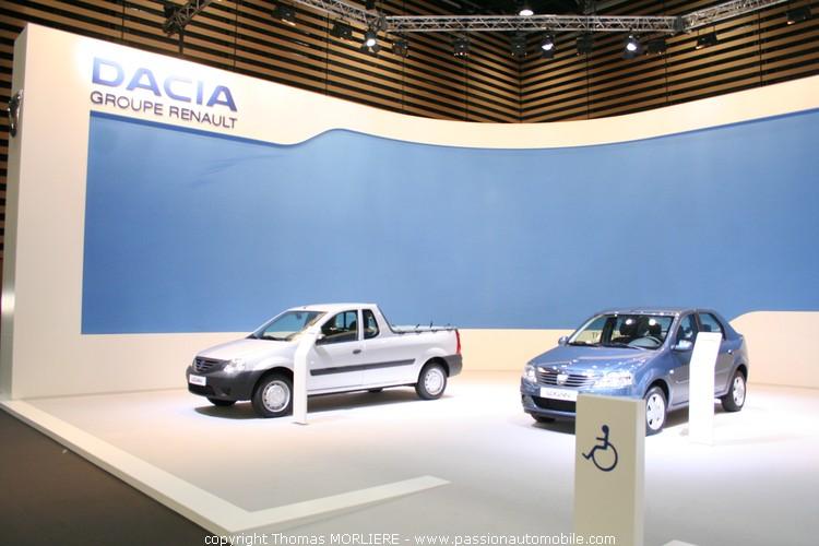 Dacia au salon auto de lyon 2009 for Stand salon auto