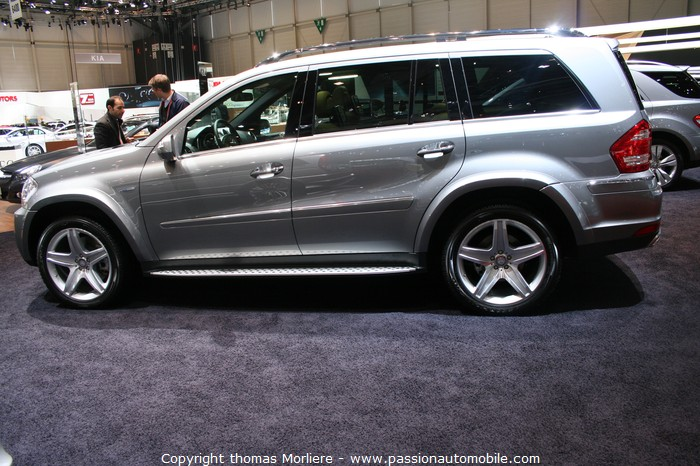 mercedes gl 350 bluetec 4matic 2010 salon auto de genve 2010. Black Bedroom Furniture Sets. Home Design Ideas