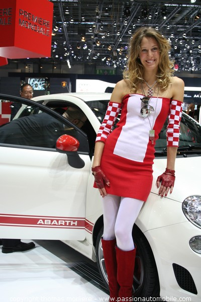 Hotesse abarth salon de geneve 2008 for Salon de geneve hotesse